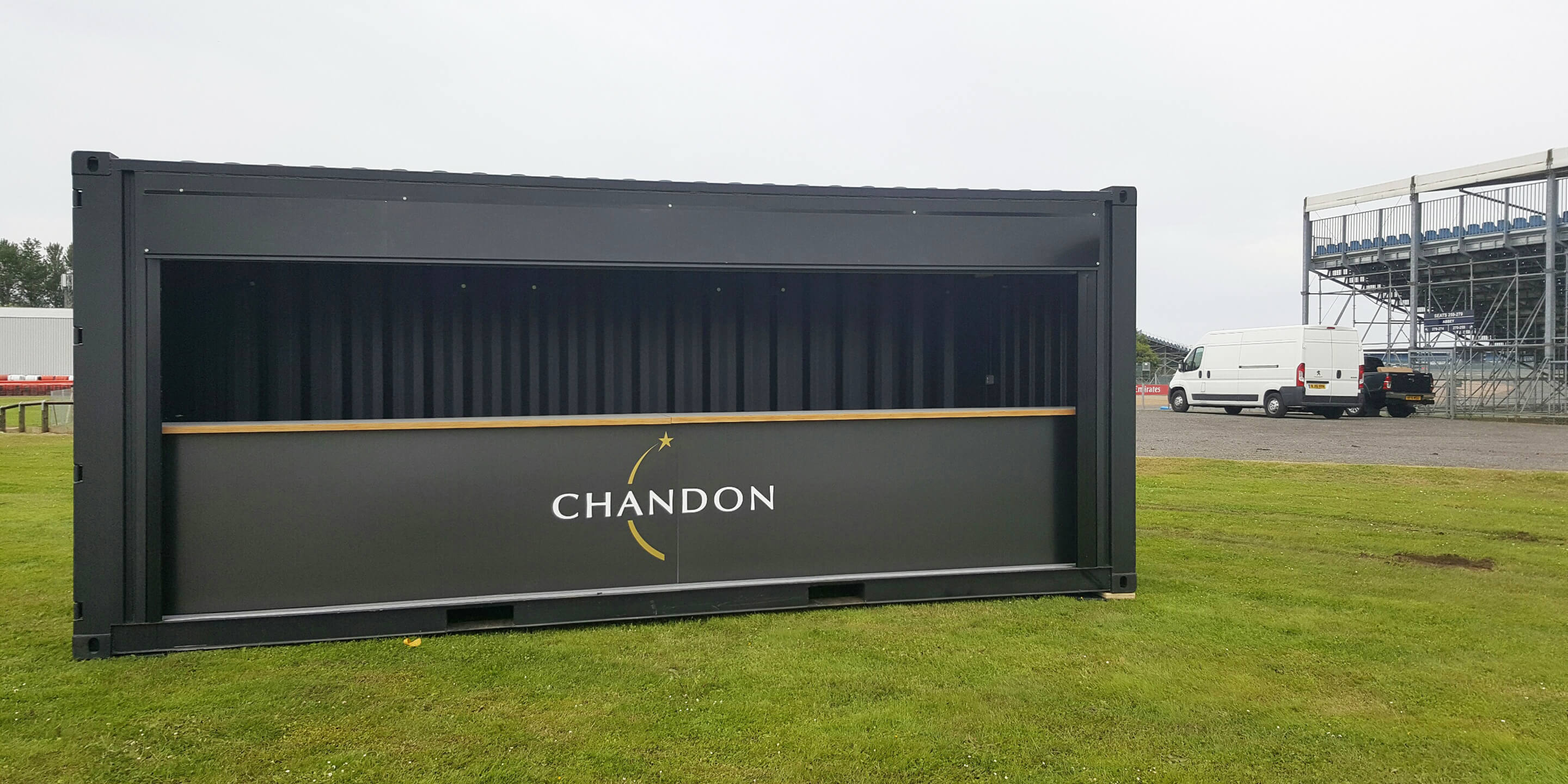 https://www.theeventsstructure.com/sites/default/files/2019-05/containerbar-chandon-2.jpg