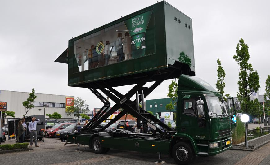 experiential marketing vehicle Sky Box