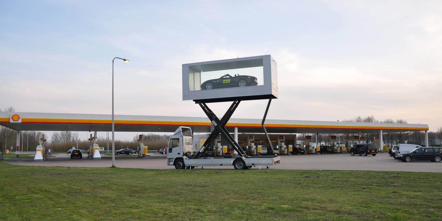 Exibition Trailer: Sky Box Mobile Showroom for Hertz