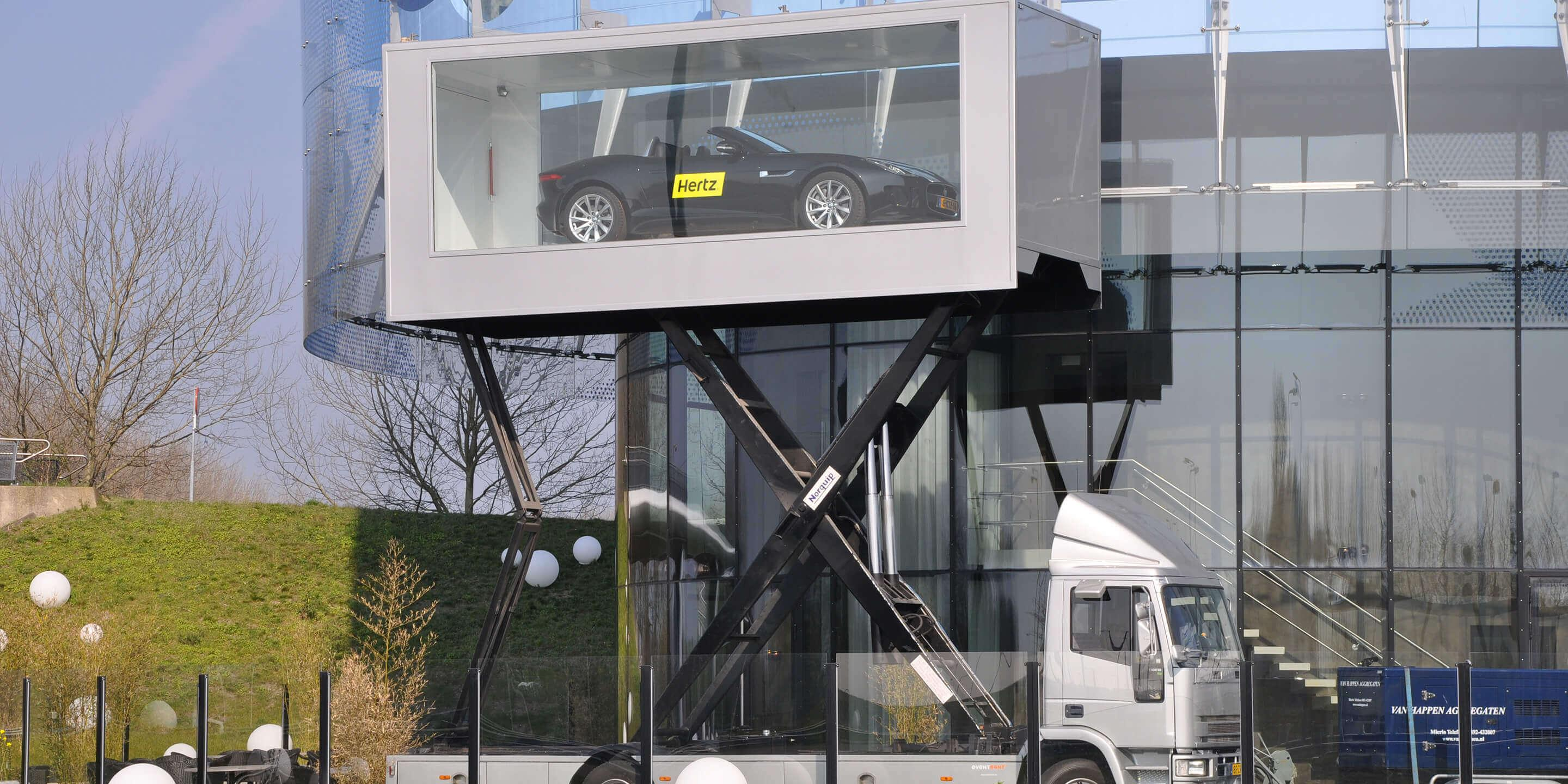 Display Trailers: The Sky Box Mobile Showroom for Hertz