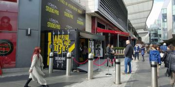 Loreal pop-up retail brand activation using Gallery shipping container conversion